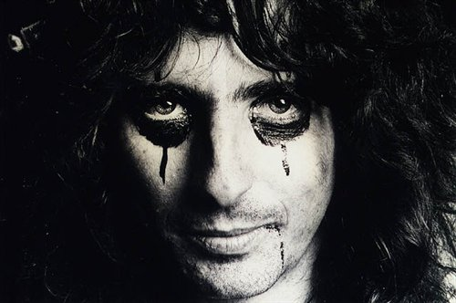 'Super Duper Alice Cooper' Documentary Trailer Released – Welcome to His Nightmare