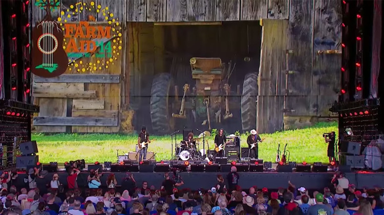gary-clark-jr-farm-aid-2014-band-youtube-video-750x421