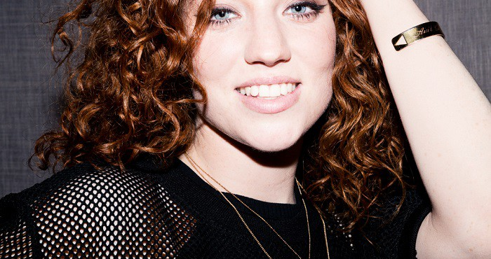 """Jess Glynne and Her Sassy Demeanor Saves Her From Being Just Another """"Pop Star"""""""