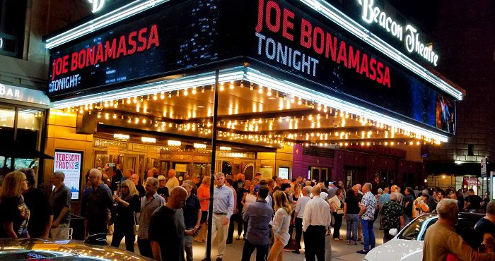 JOE BONAMASSA CHANGING LIVES AND SHREDDING AT THE BEACON THEATER!